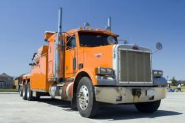 De opleiding voor vrachtwagenrijbewijs categorie C bestaat uit een theoretisch gedeelte en een praktijkgedeelte © igor kisselev - Fotolia