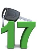 Je kunt ook al als je 17 bent je praktijkexamen halen. Je moet dan wel tot je 18e met een begeleider samenrijden.©styleuneed - Fotolia