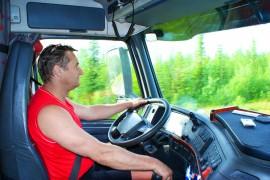 Rijbewijs C met vakbekwaamheid heb je nodig als je langer dan 12 uur per week goederen vervoert met de vrachtwagen.©big_tau - Fotolia
