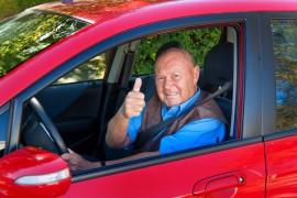 Omdat uw fysieke gesteldheid wellicht verandert, naarmate u ouder wordt wil het CBR zo controleren of u nog in staat bent om auto te rijden.©Gina Sanders - Fotolia